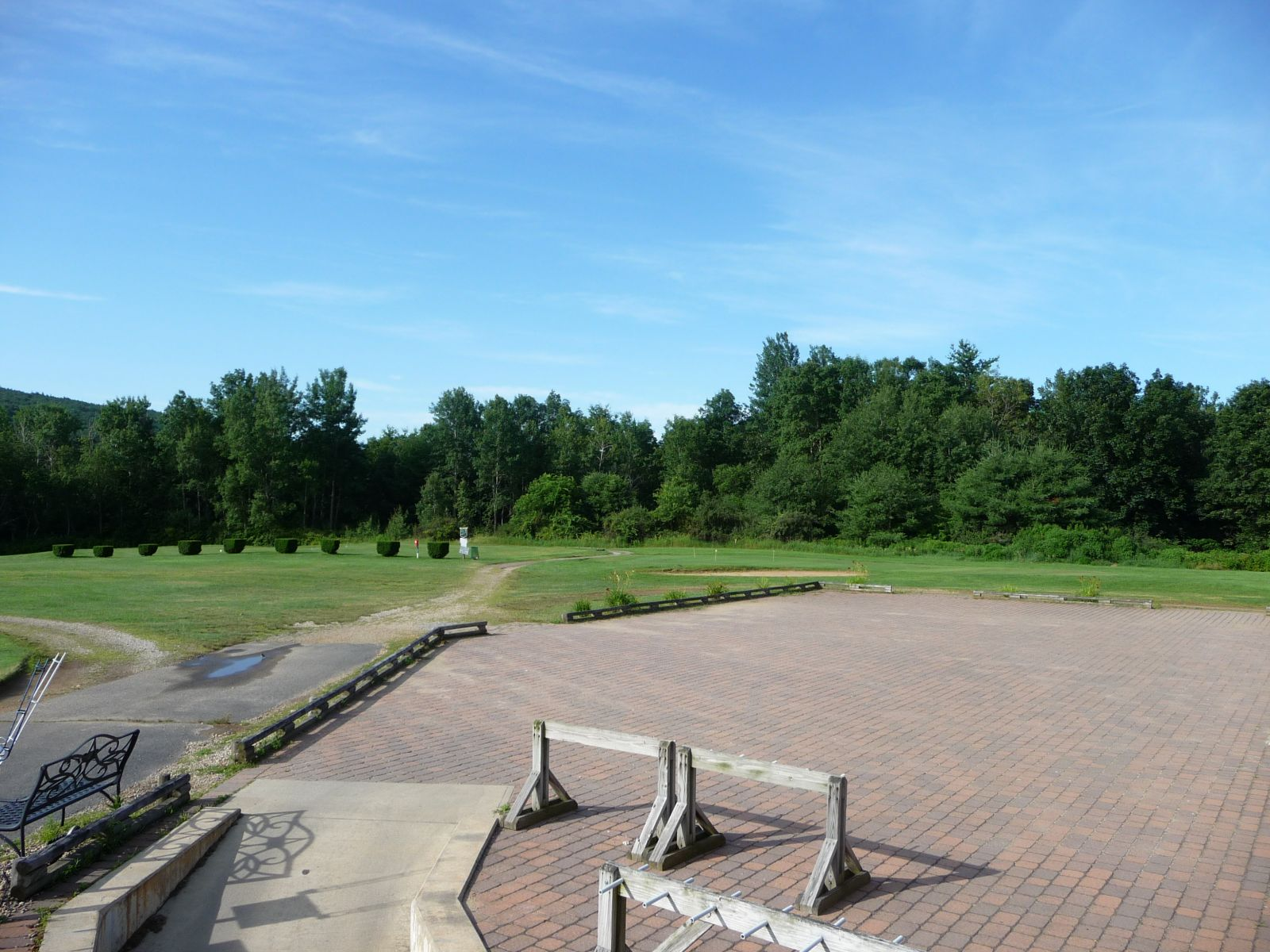 Dunroamin Country Club Details - Gilbertville Golf